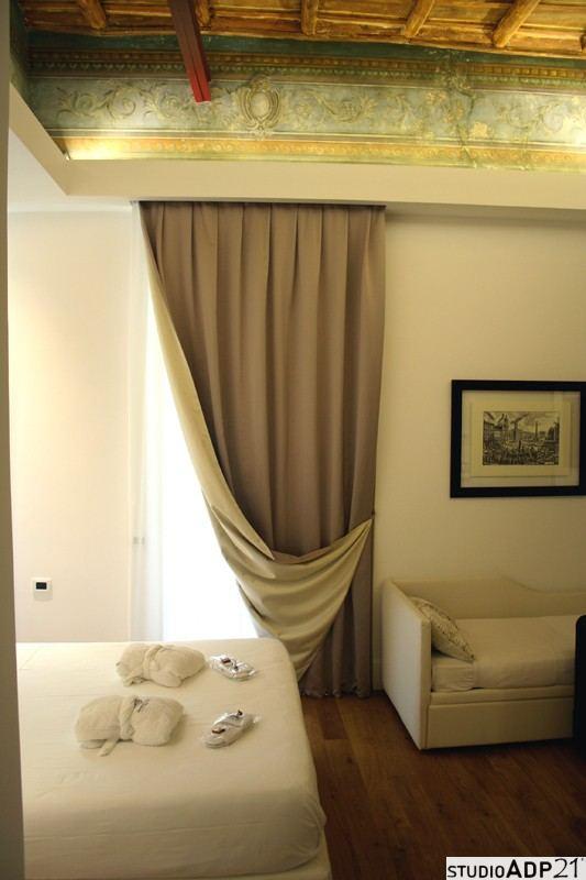 decorazione classica. finto affresco albergo