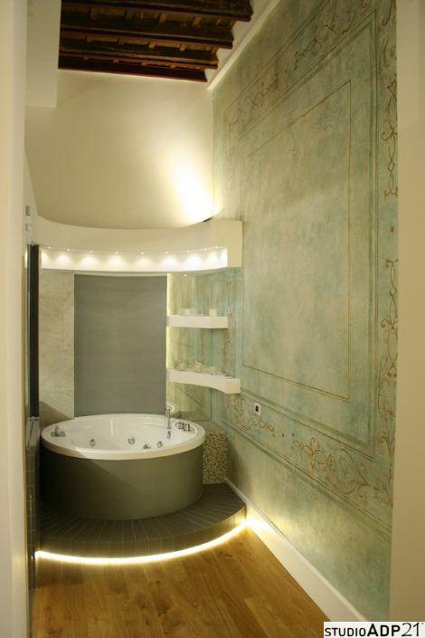 parete decorata in stile classico