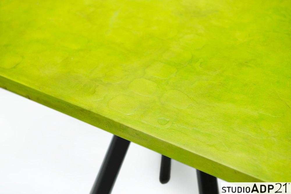 tavolo in resina