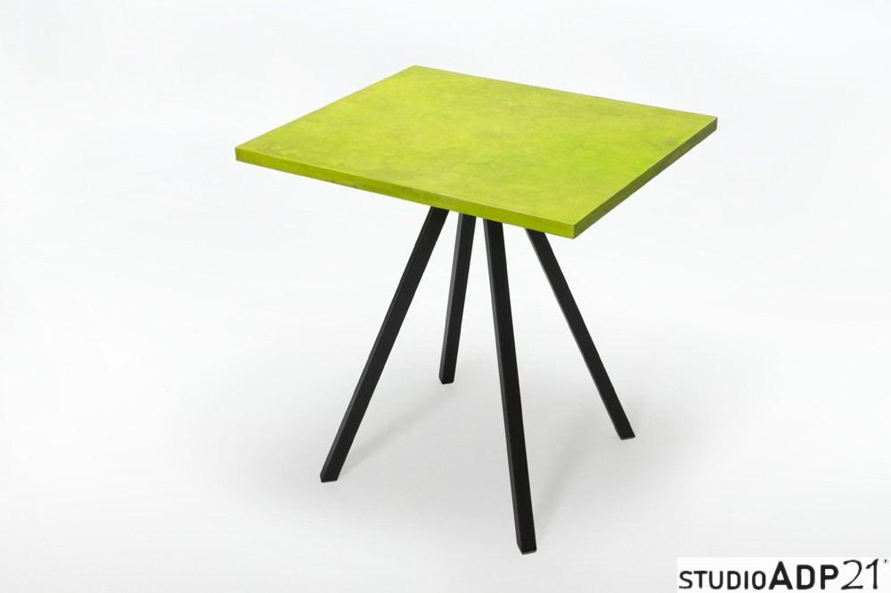tavolo in resina verde