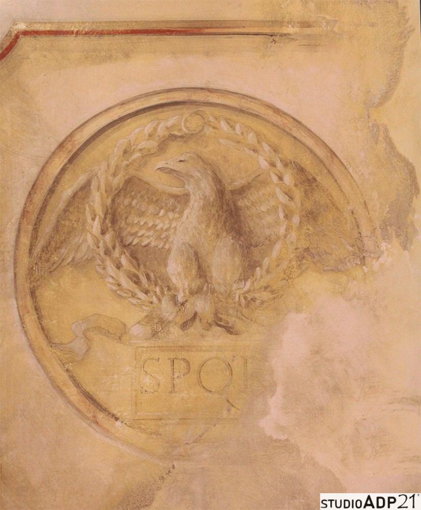 decorazione classica. finto affresco. aquila romana